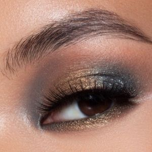 Kylie Cosmetics - MATCHA / Eyeshadow Single